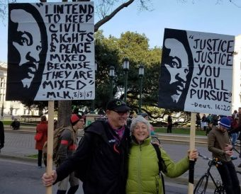 jim_jessica_mlksigns2017-3